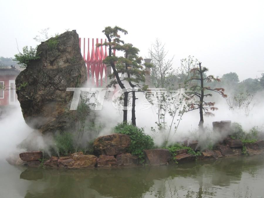 金山湖景区位于镇江市区和国家级风景