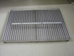大型电子散热器