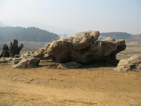 塑石假-广东佛冈羊角山山水渡假世界环湖塑石