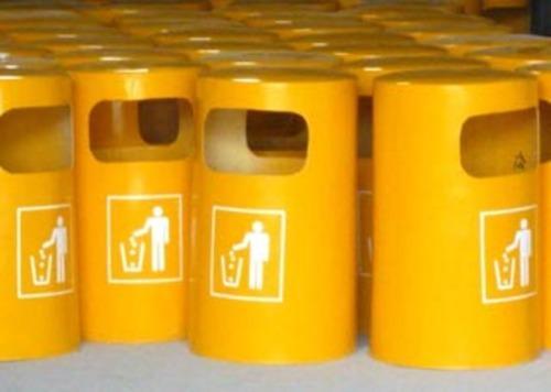 垃圾桶就使用场合可分为公共垃圾桶和家庭垃圾桶