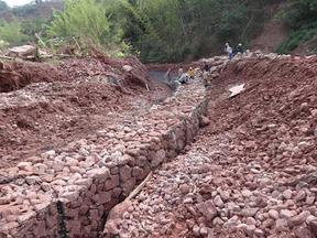 通辽铅丝石笼护坡治理_3公里铅丝石笼水利工程