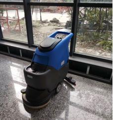 重庆洗地机、驾驶式洗地机、全自动洗地机如何正确的使用