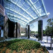 合肥地下立体停车库出口玻璃雨棚-合肥玻璃雨棚厂家批发