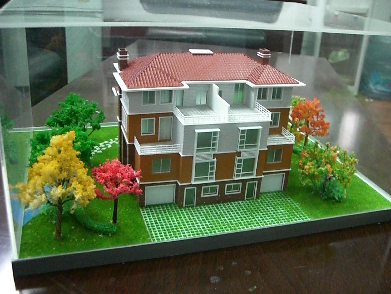 把每一个建筑模型的制作过程视作一项艺术创作过程