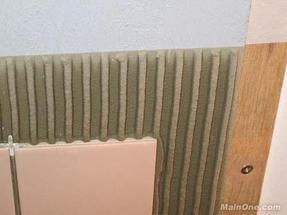 粘瓷砖的胶叫什么,瓷砖胶 益胶泥。
