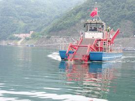 水平横移水面垃圾清洁船