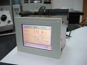 日本制-可编程温湿度智能控制器
