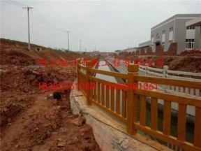 供应四川地区仿木栏杆,四川水泥仿木护栏,四川驰升厂价直销