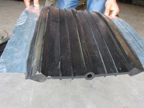 钢边止水带_钢边中埋式橡胶止水带_钢边止水带生产厂家