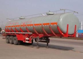 重汽华威化工液体运输半挂车