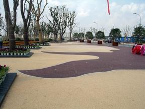 彩色压膜地坪 彩色压花地坪 彩色透水地坪做法图片
