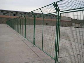框架围栏 钢框架护栏网厂家 铁丝网护栏