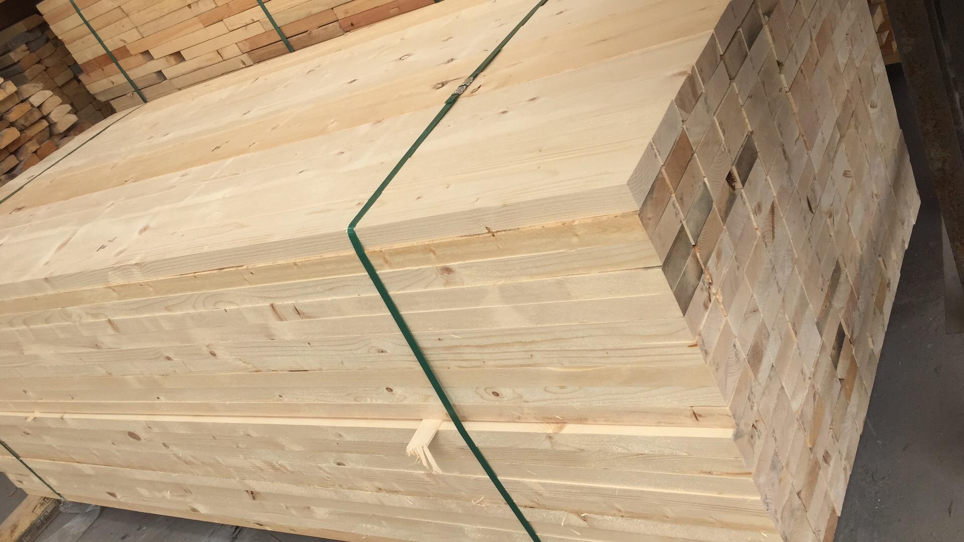 建筑木方木材加工厂加工板材等