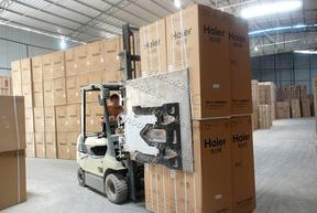 纸箱夹,冰箱夹,抱箱夹,抱夹,夹抱机,纸箱夹抱机,机械抱箱机