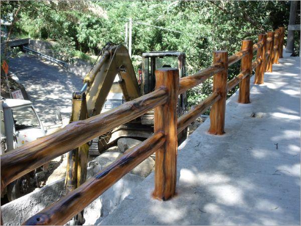 湿地公园栈桥水泥仿木栏杆