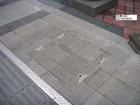 重庆市铺砖井盖