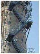 200米烟筒爬梯平台防腐