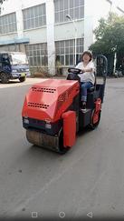 SYT-2000型双钢轮压路机厂家供应