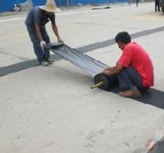 水泥砼路面罩面防水抗裂新型材料抗裂贴