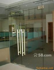 国贸安装玻璃门1