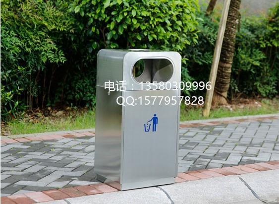 1、钢制垃圾桶产品色泽亮丽美观,并具有防潮、防火、防腐、防蛀、防锈、耐高温、易清理不脱落,不起层使用寿命长等特点。 2、钢制垃圾桶是使用冷轧钢板或者镀锌钢板制作而成。因为产品表面经过喷塑和酸处理,防腐蚀性能更高。采用酸处理+喷塑处理,更利于防锈,增加使用寿命。这是钢制垃圾桶所具有的强大的优势。 3、钢制垃圾桶广泛运用于城管系统;环卫系统,物业管理系统,小区、工厂、餐饮,城市道路、各类广场、企业单位、花园、公园、学校、医院、车站、码头、风景旅游区等公共场所。 4、钢制垃圾桶整体都用优质冷轧钢板,经折弯冲压一