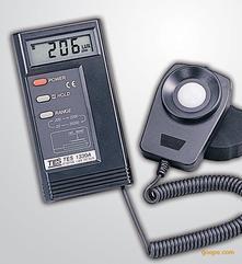 TES1332A台湾泰仕数字式照度计