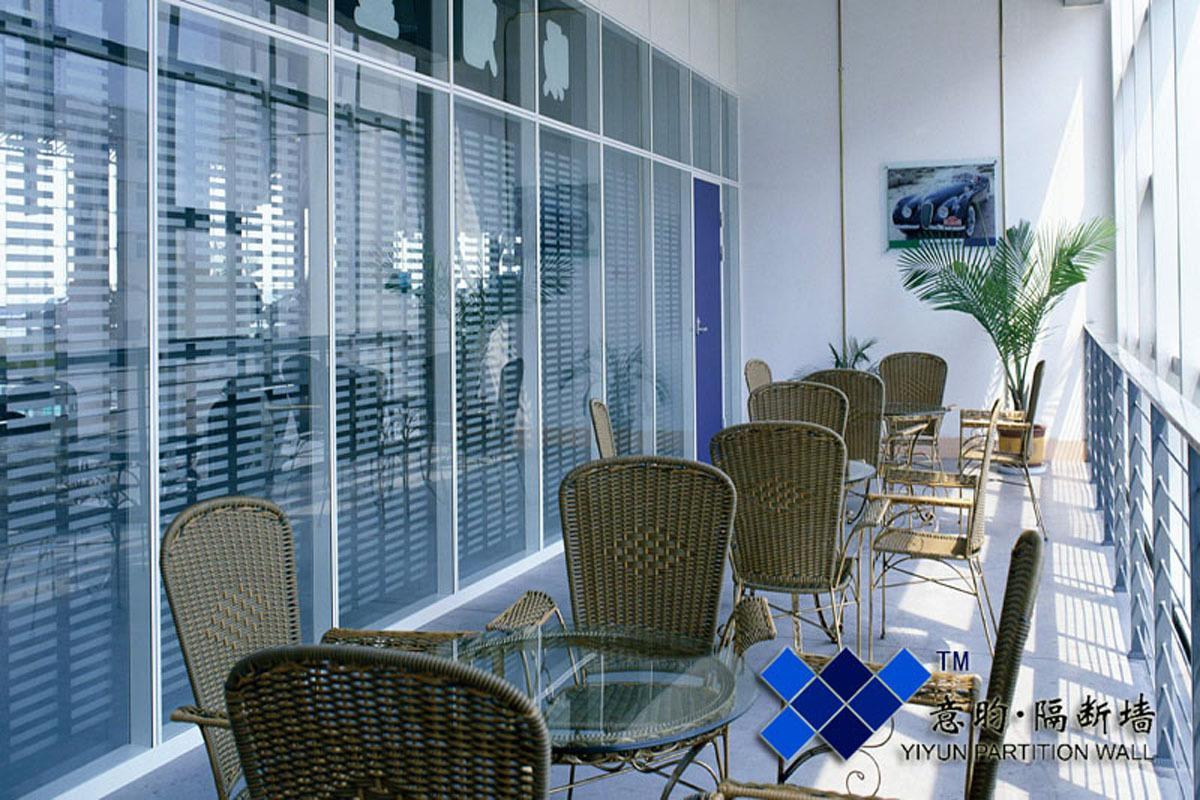客厅隔断玻璃效果图图片大全 客厅隔断装修效果图
