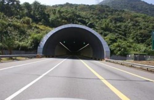 孔洞漏水,伸缩缝漏水或结构表面渗水等,福州隧道堵漏公司运用有压力与