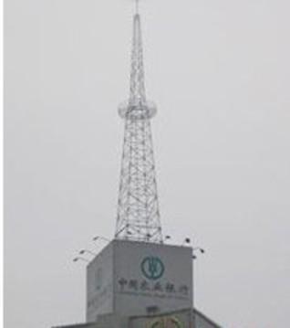 高空安装避雷塔