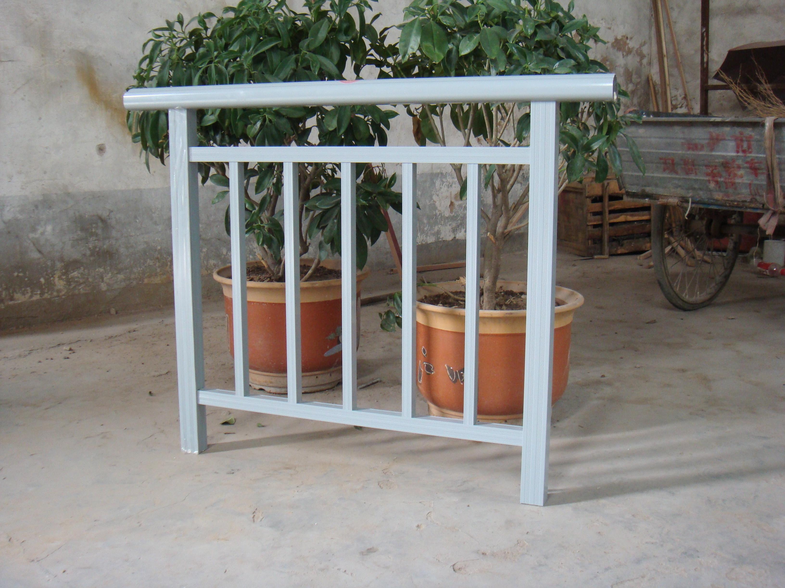 供应铝合金阳台护栏;; 市政护栏-铝合金防护隔离栏杆; 铝合金栏杆hsy