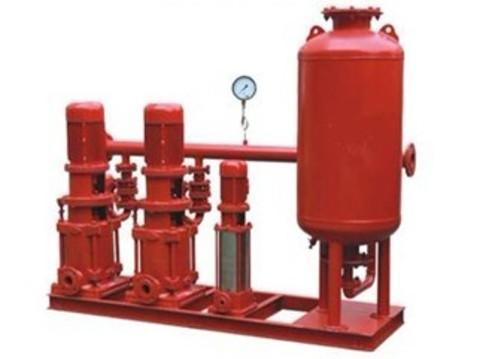 供水设备及水箱图片