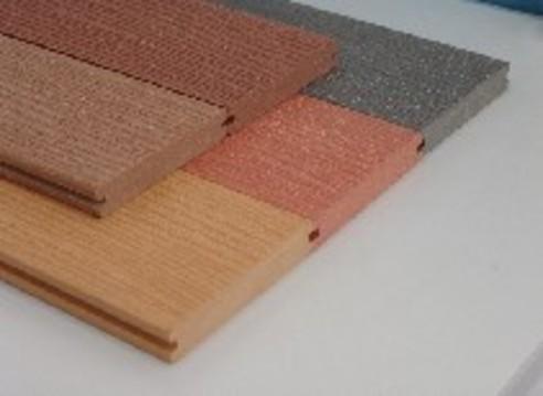 海边铺地板,建筑模板,建筑模板,防潮板,均可使用塑木复合板材.