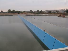 海城坝240米长4米高