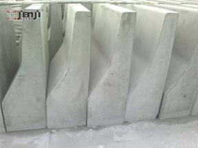 水泥防撞隔离墩惠州道路隔离带