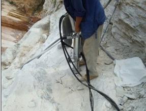 四川劈裂机重庆劈石器云南钢筋混泥土液压劈裂机价格