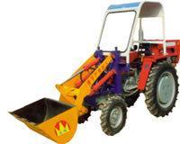 我厂研制的小型铲车,是在小四轮拖拉机上进行改装的