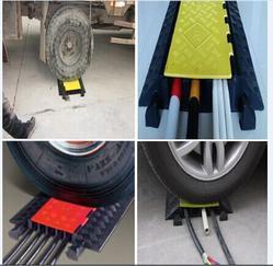 单孔线槽减速带 橡胶线槽减速带