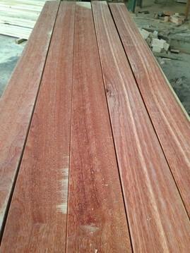 碳化木,防腐木,柳桉木,山樟木,巴劳木