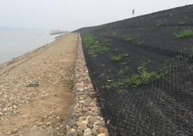 水利治理河道护坡加筋麦克垫哪里买多少钱一平米