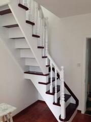 BSE01步升楼梯之成品实木楼梯
