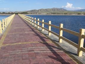河道水泥仿木栏杆