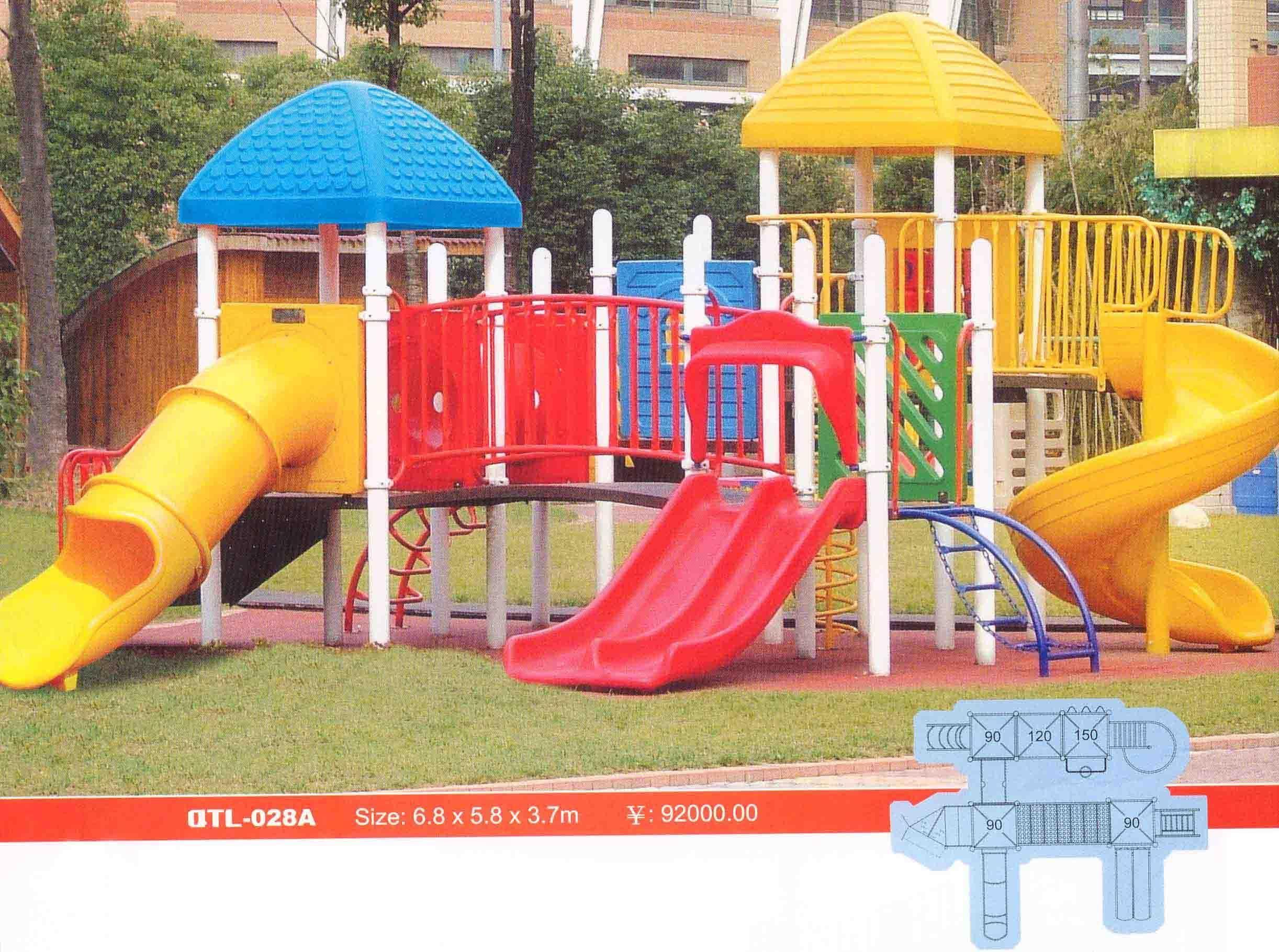 组合滑梯 本产品的钢结构部分采用国标钢管,柱底脚盘
