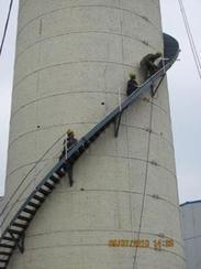 大庆烟囱安装旋转梯|烟囱折梯安装|烟囱安装检测平台
