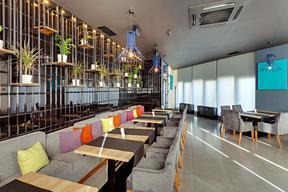 郑州中式餐厅装修如何选餐厅家具-【梵意空间设计】