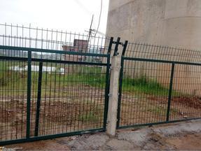 供应高铁铁路浸塑护栏网框架护栏网