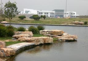 张家港湿地公园云片石驳岸景观工程