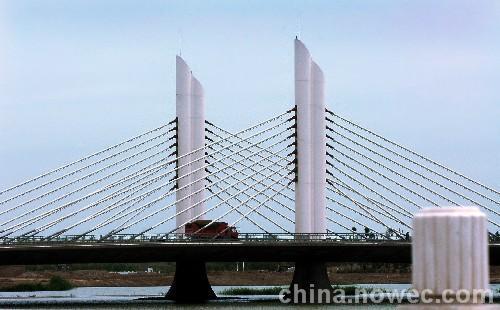 东莞钢结构桥梁防腐钢结构喷砂除锈防腐