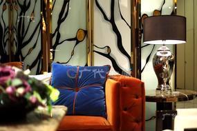 教你如何优雅地用不锈钢屏风分隔客厅与餐厅