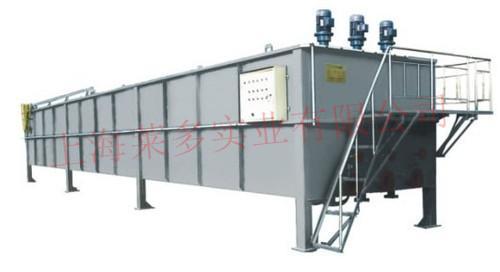 系列溶气气浮机为钢制结构,其工作原理是:空气通过泵送入压力溶气罐