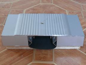 供应金属盖板型楼地面变形缝FOM